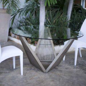 Magico Triangulo Dining Table